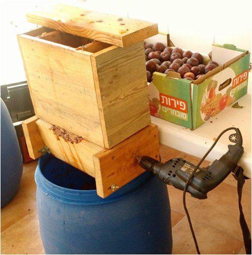בניית מכונה לריסוק פירות